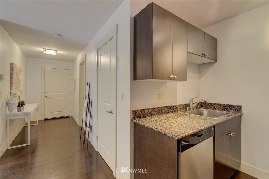 Sold Property | 120 NW 39th Street #105 Seattle, WA 98107 3