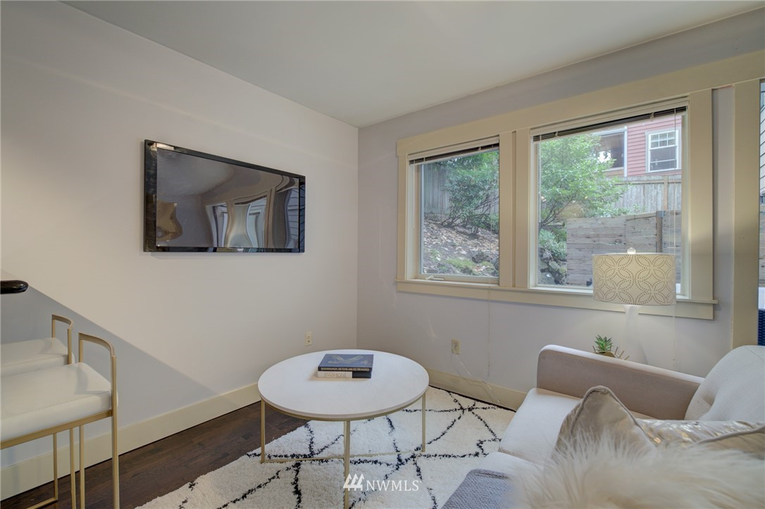 Sold Property | 120 NW 39th Street #105 Seattle, WA 98107 5