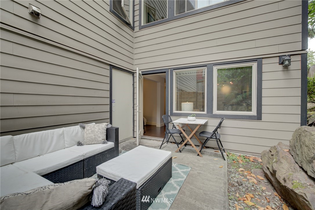Sold Property | 120 NW 39th Street #105 Seattle, WA 98107 10