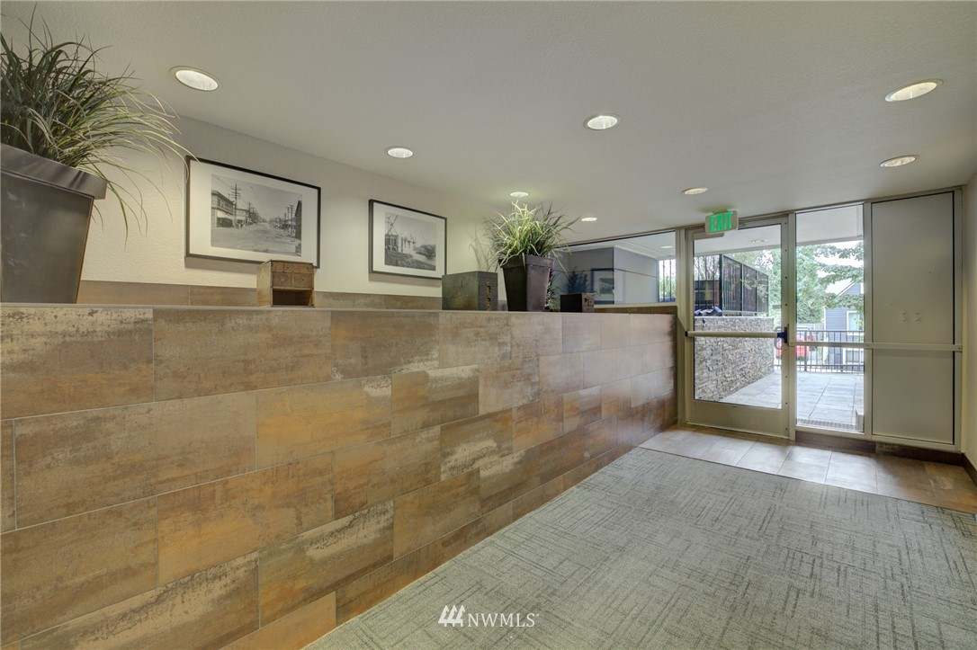 Sold Property | 120 NW 39th Street #105 Seattle, WA 98107 18