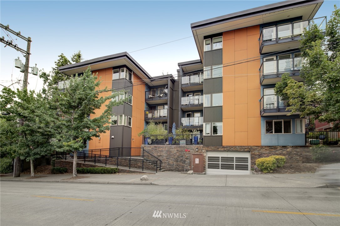 Sold Property | 120 NW 39th Street #105 Seattle, WA 98107 23