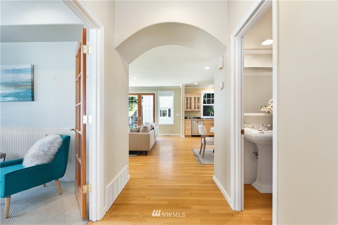 Sold Property | 8520 1st Avenue NE Seattle, WA 98115 6