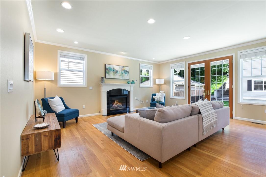 Sold Property | 8520 1st Avenue NE Seattle, WA 98115 9