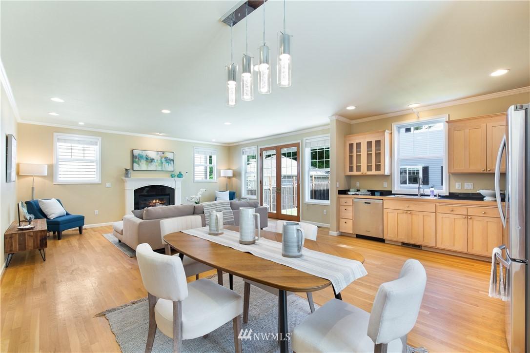 Sold Property | 8520 1st Avenue NE Seattle, WA 98115 10