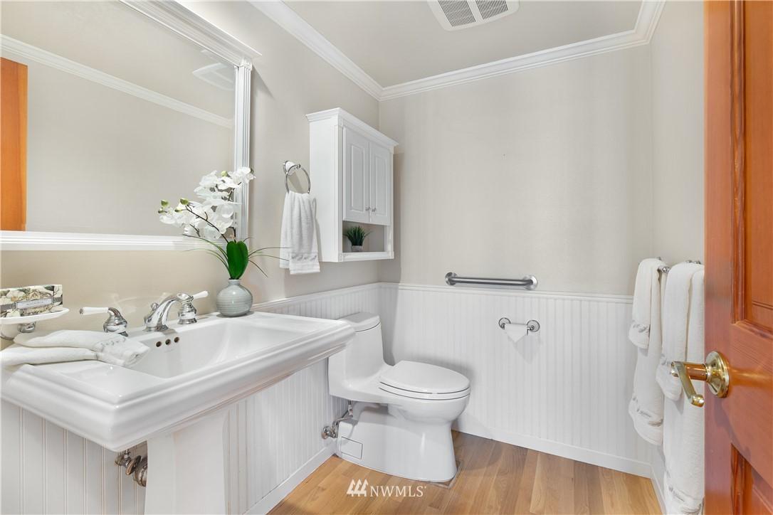 Sold Property | 8520 1st Avenue NE Seattle, WA 98115 12