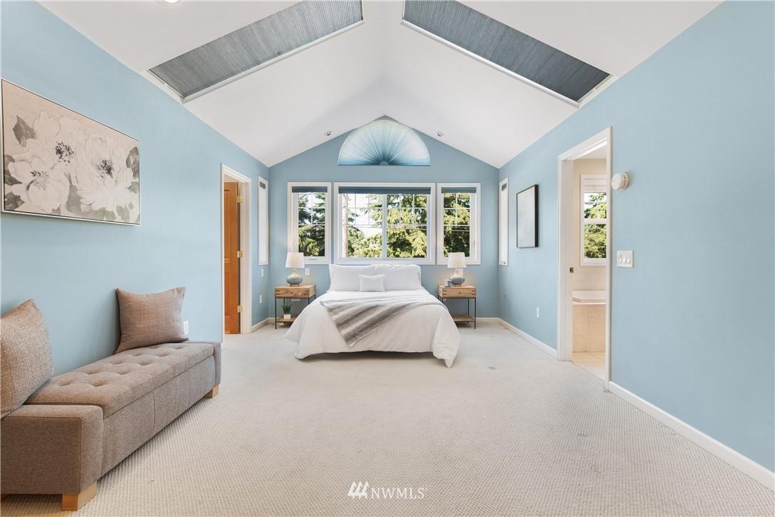 Sold Property | 8520 1st Avenue NE Seattle, WA 98115 13