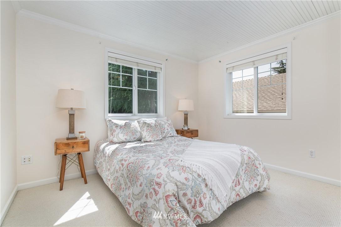 Sold Property | 8520 1st Avenue NE Seattle, WA 98115 17