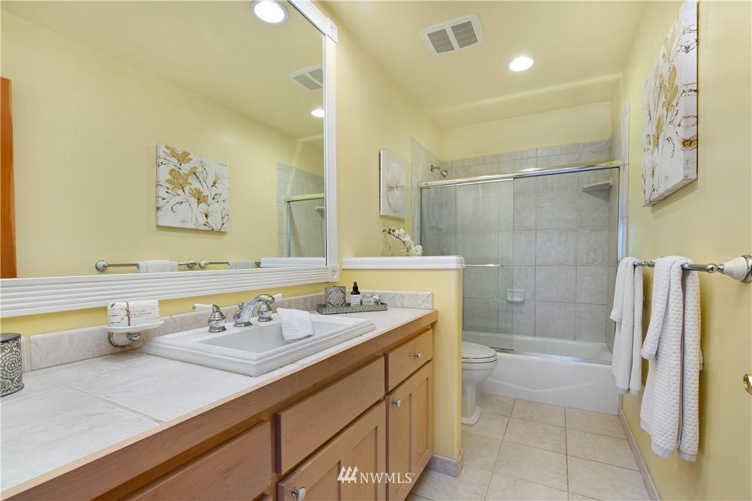 Sold Property | 8520 1st Avenue NE Seattle, WA 98115 18