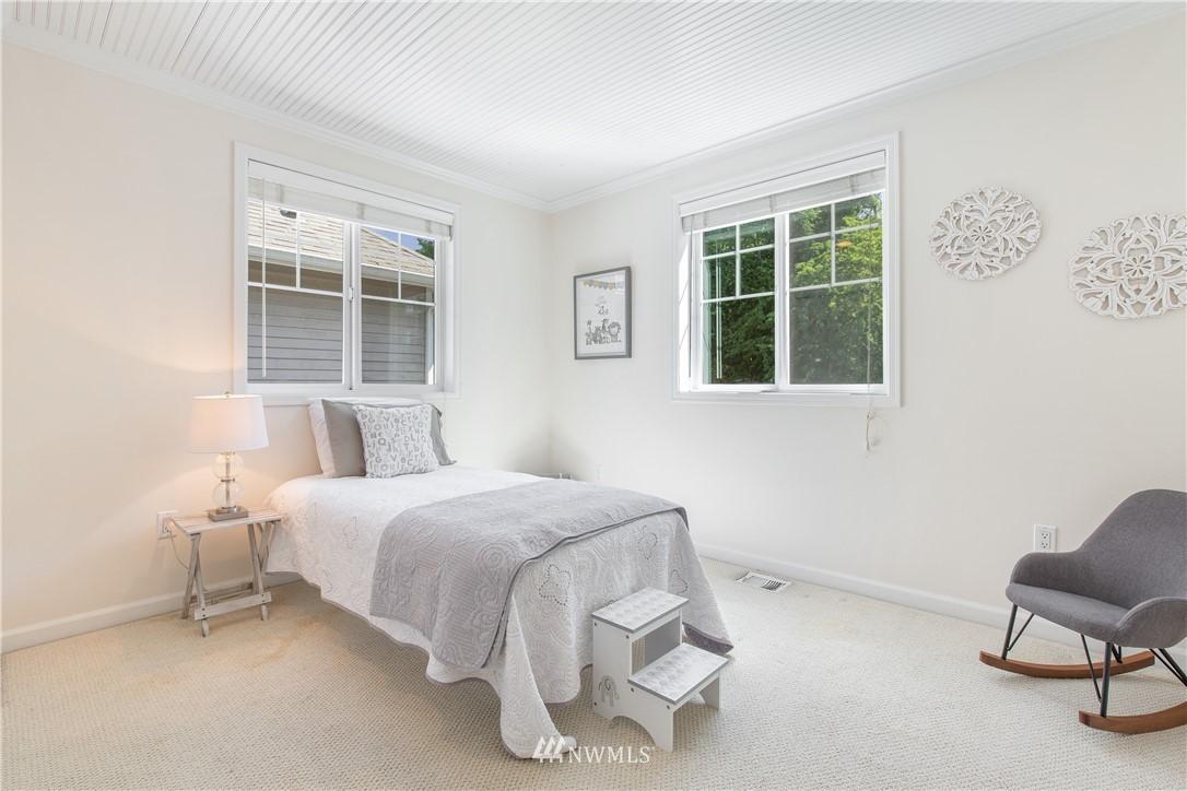 Sold Property | 8520 1st Avenue NE Seattle, WA 98115 19