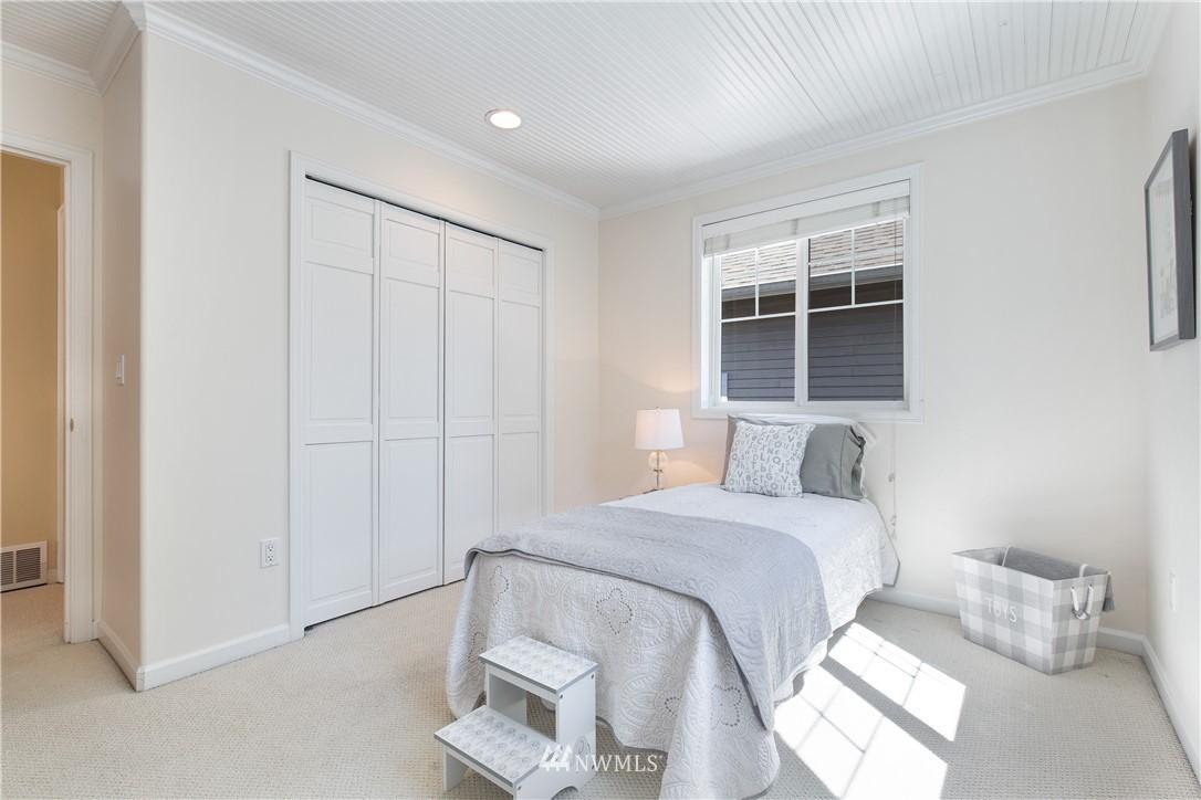 Sold Property | 8520 1st Avenue NE Seattle, WA 98115 20