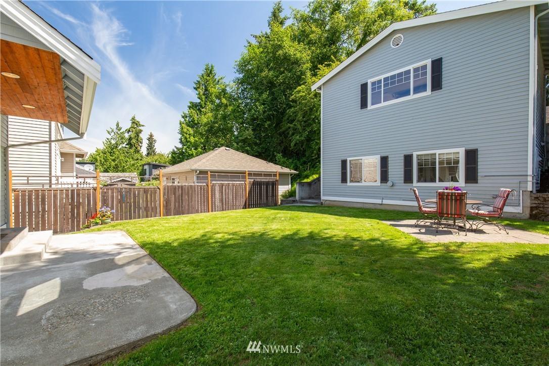 Sold Property | 8520 1st Avenue NE Seattle, WA 98115 22