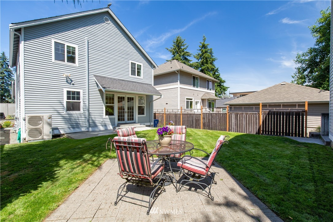 Sold Property | 8520 1st Avenue NE Seattle, WA 98115 23