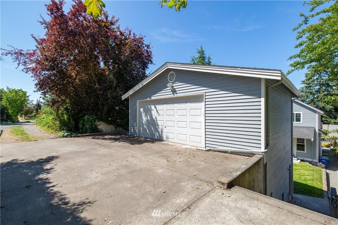 Sold Property | 8520 1st Avenue NE Seattle, WA 98115 28