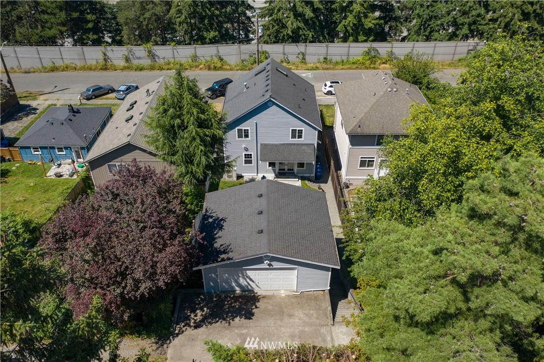 Sold Property | 8520 1st Avenue NE Seattle, WA 98115 30