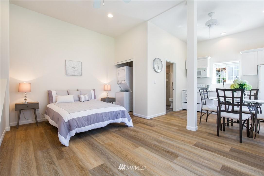 Sold Property | 8520 1st Avenue NE Seattle, WA 98115 24