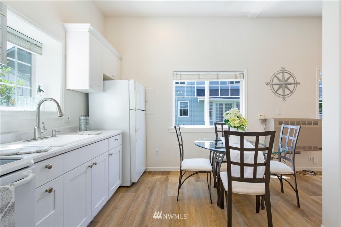 Sold Property | 8520 1st Avenue NE Seattle, WA 98115 25