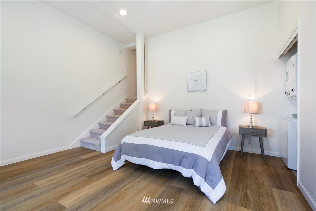Sold Property | 8520 1st Avenue NE Seattle, WA 98115 26