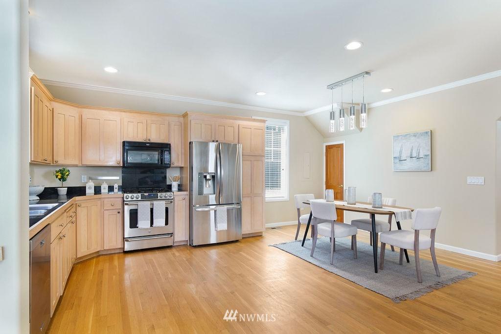 Sold Property | 8520 1st Avenue NE Seattle, WA 98115 11