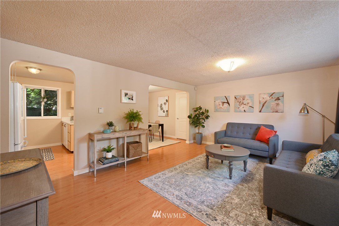 Sold Property | 1012 211th Avenue NE Sammamish, WA 98074 2