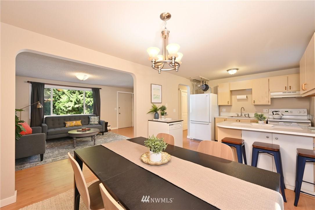 Sold Property | 1012 211th Avenue NE Sammamish, WA 98074 5