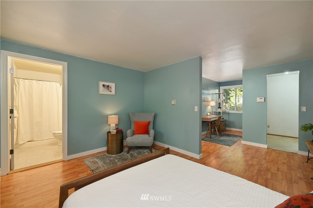 Sold Property | 1012 211th Avenue NE Sammamish, WA 98074 6