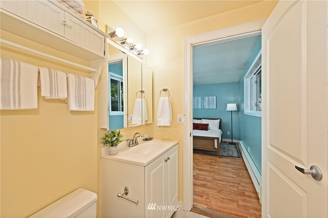 Sold Property | 1012 211th Avenue NE Sammamish, WA 98074 8