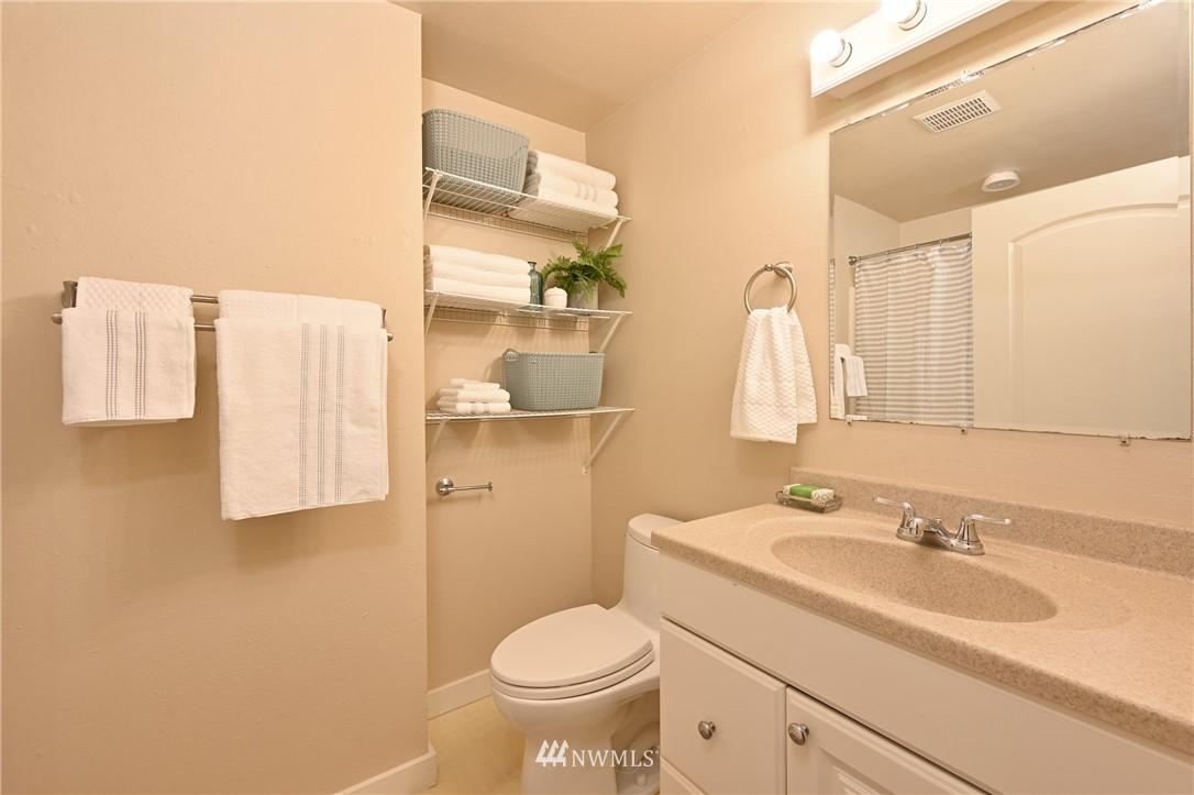 Sold Property | 1012 211th Avenue NE Sammamish, WA 98074 10