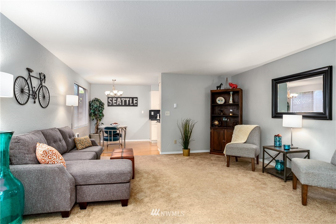 Sold Property | 10106 Greenwood Avenue N #102 Seattle, WA 98133 3