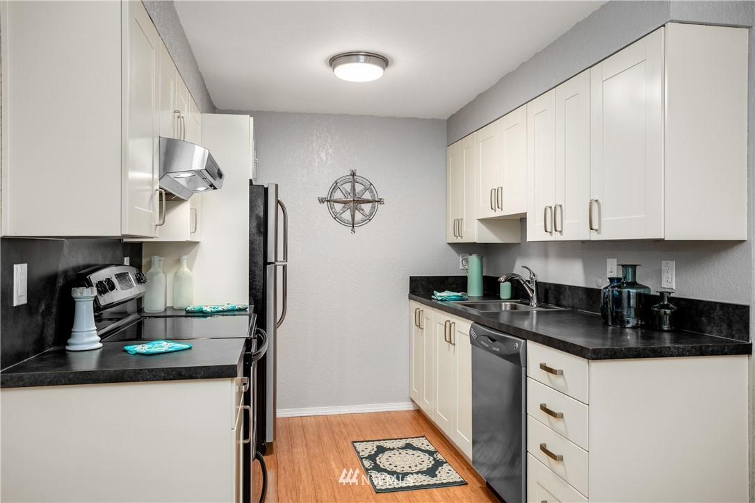 Sold Property | 10106 Greenwood Avenue N #102 Seattle, WA 98133 10