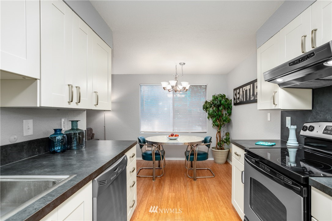 Sold Property | 10106 Greenwood Avenue N #102 Seattle, WA 98133 11