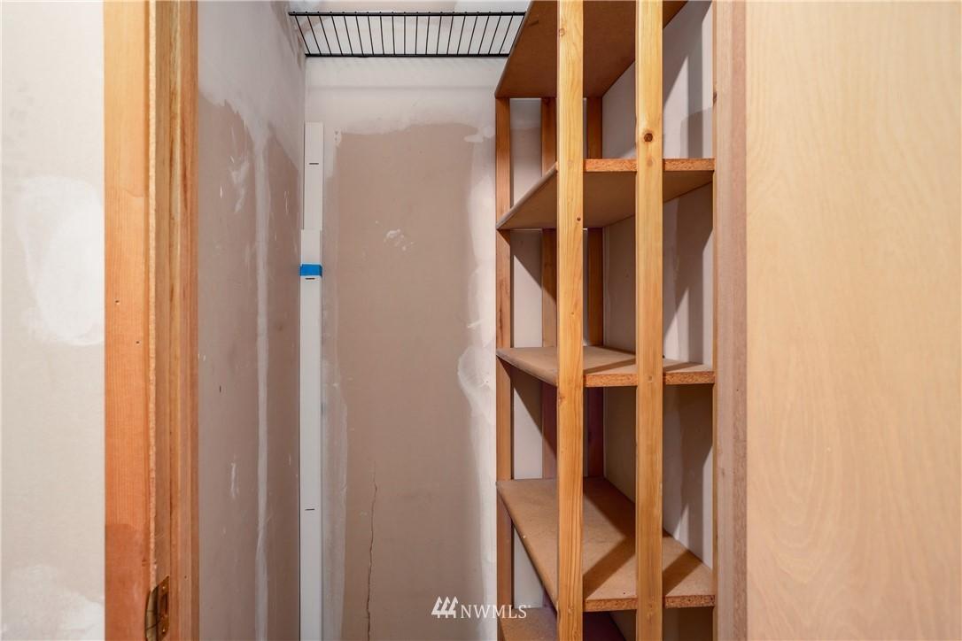 Sold Property | 10106 Greenwood Avenue N #102 Seattle, WA 98133 19