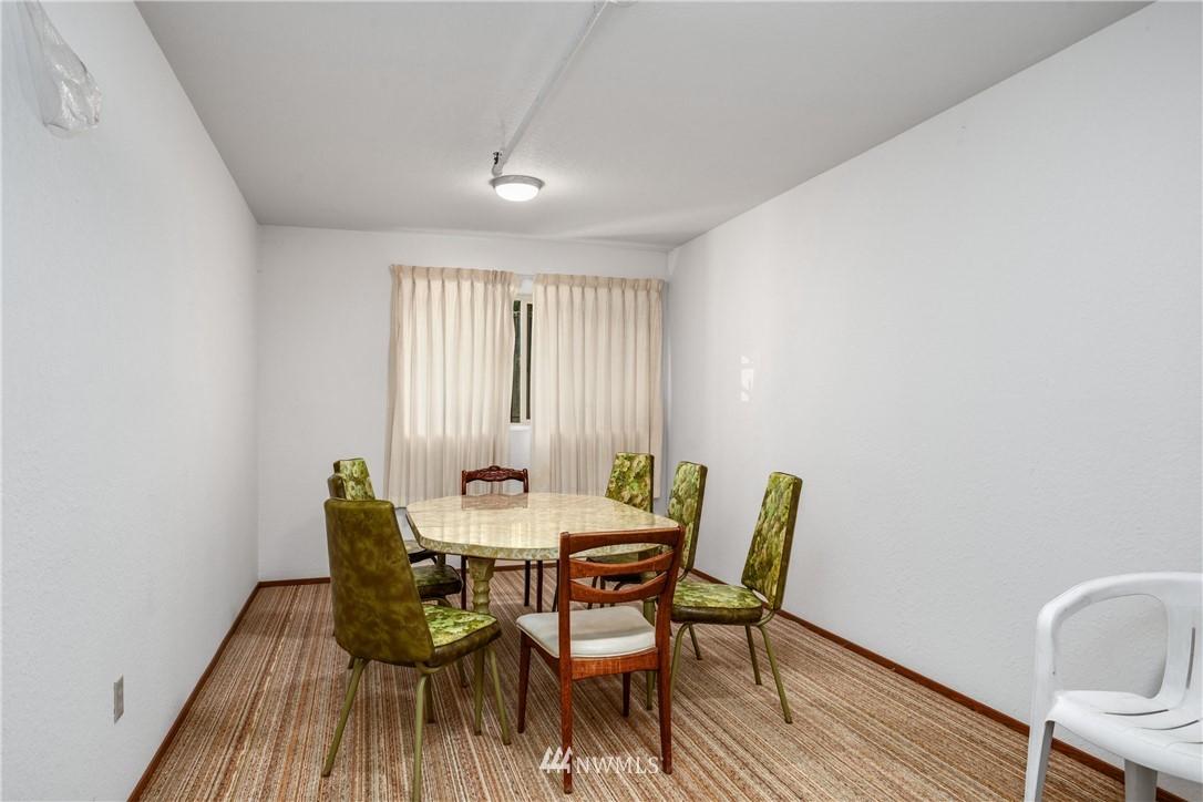 Sold Property | 10106 Greenwood Avenue N #102 Seattle, WA 98133 20
