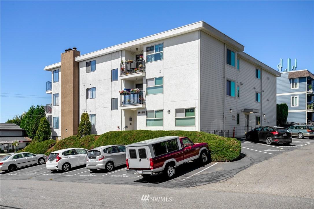 Sold Property | 10106 Greenwood Avenue N #102 Seattle, WA 98133 24