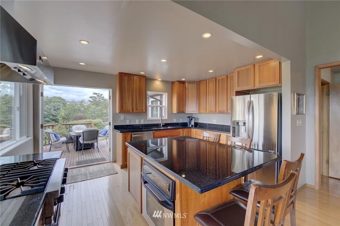 Sold Property   2626 2nd Avenue N Seattle, WA 98109 4