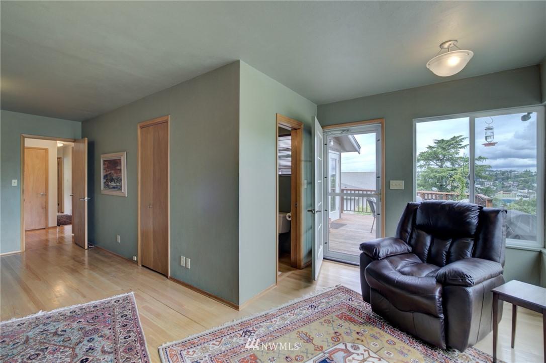 Sold Property   2626 2nd Avenue N Seattle, WA 98109 8