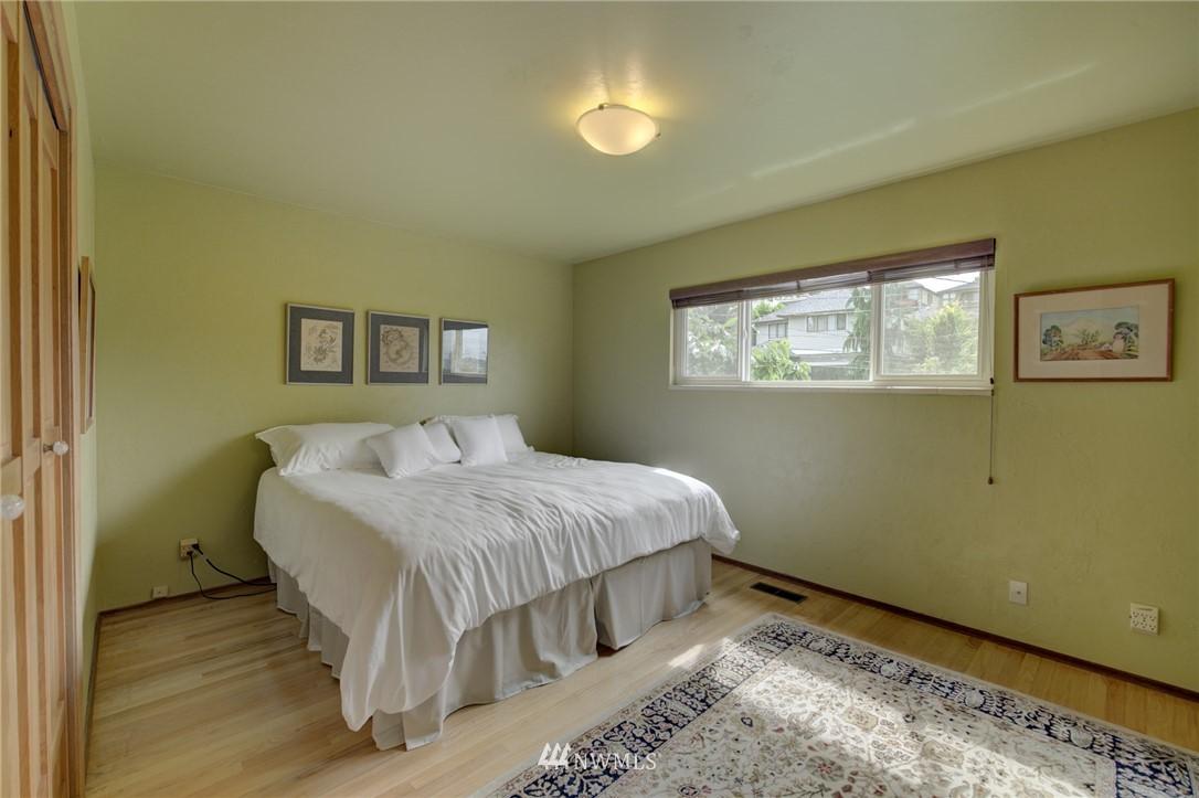 Sold Property   2626 2nd Avenue N Seattle, WA 98109 10