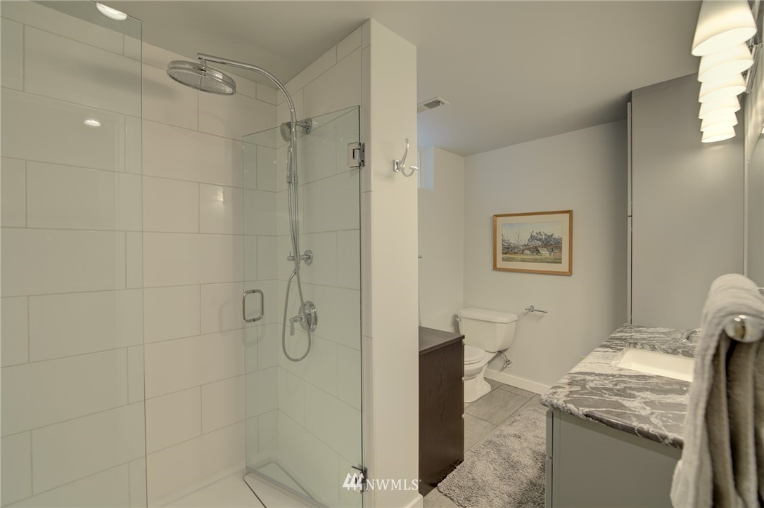 Sold Property   2626 2nd Avenue N Seattle, WA 98109 13
