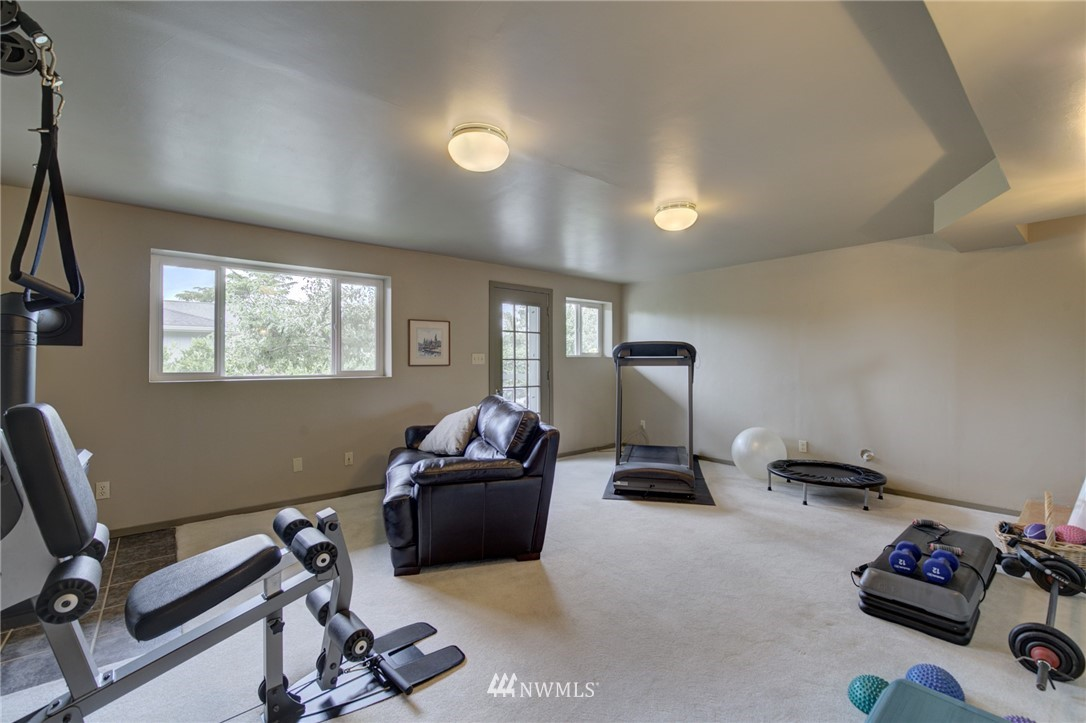 Sold Property   2626 2nd Avenue N Seattle, WA 98109 14