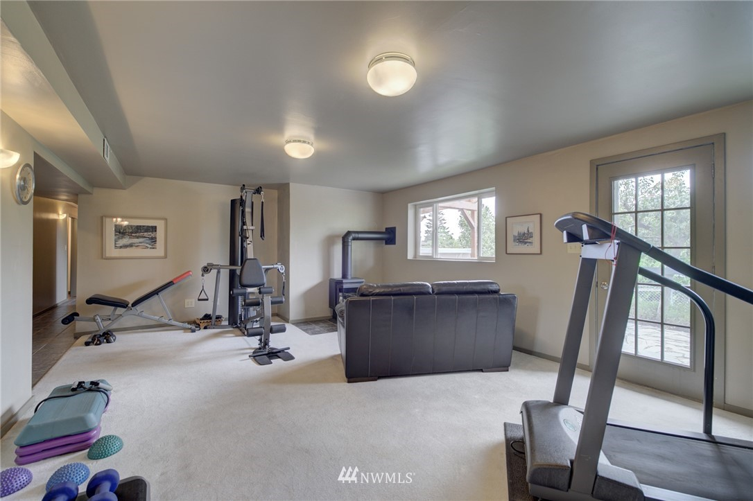 Sold Property   2626 2nd Avenue N Seattle, WA 98109 15