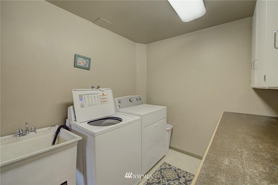 Sold Property   2626 2nd Avenue N Seattle, WA 98109 16
