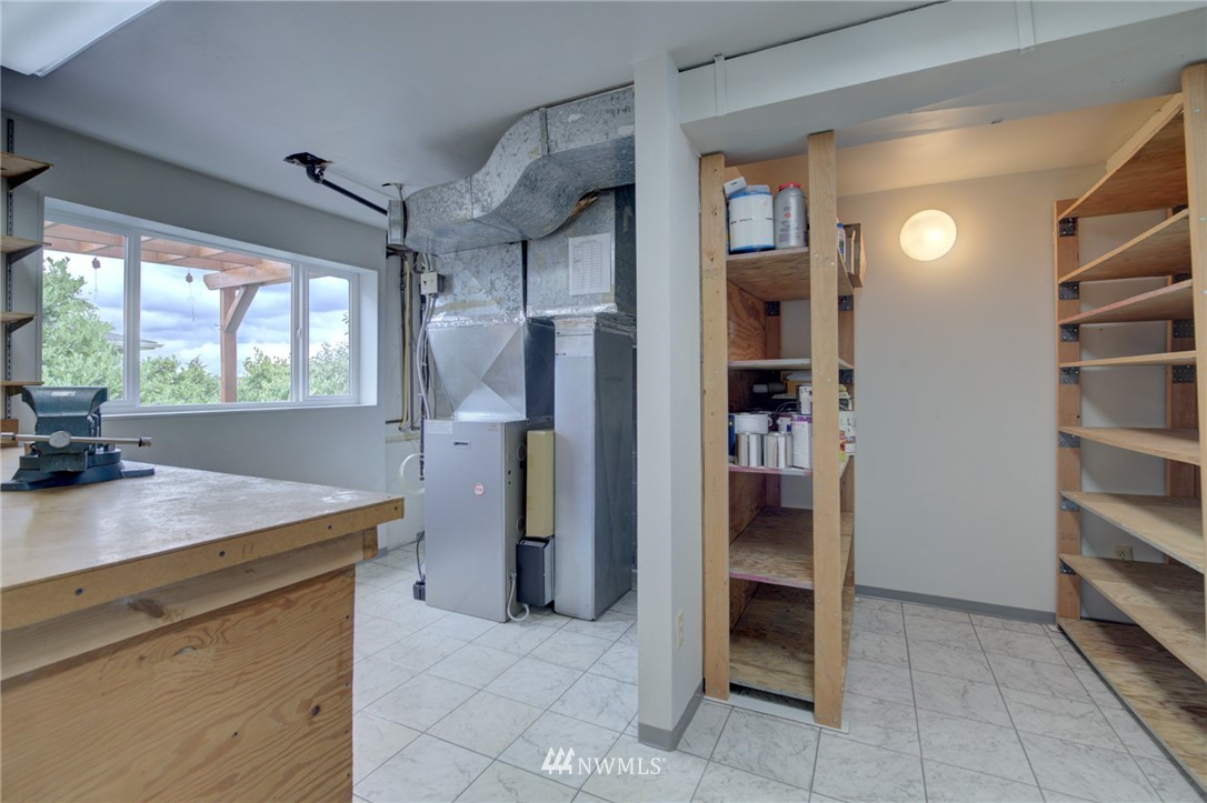 Sold Property   2626 2nd Avenue N Seattle, WA 98109 18