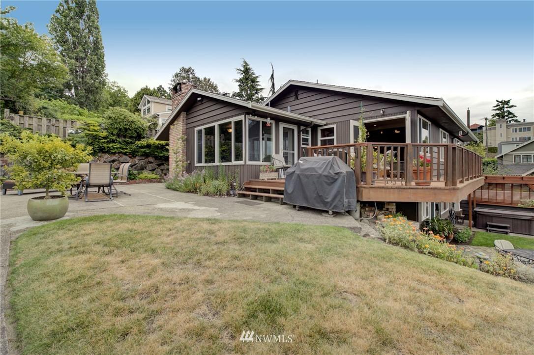 Sold Property   2626 2nd Avenue N Seattle, WA 98109 20
