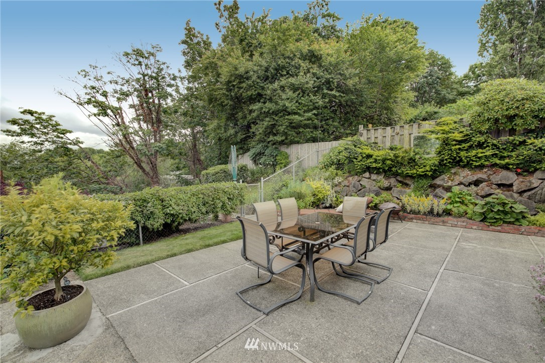 Sold Property   2626 2nd Avenue N Seattle, WA 98109 21