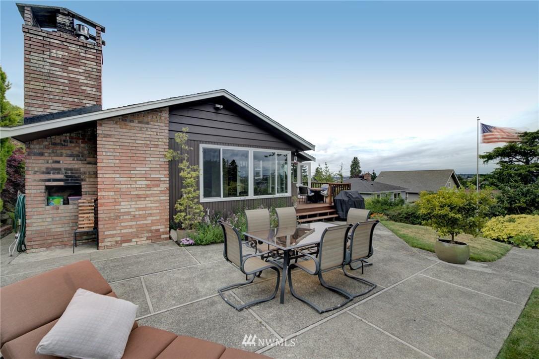 Sold Property   2626 2nd Avenue N Seattle, WA 98109 22
