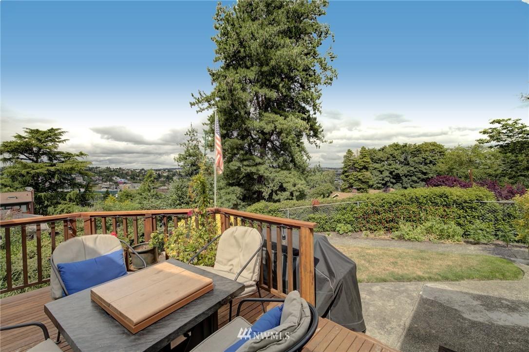 Sold Property   2626 2nd Avenue N Seattle, WA 98109 23
