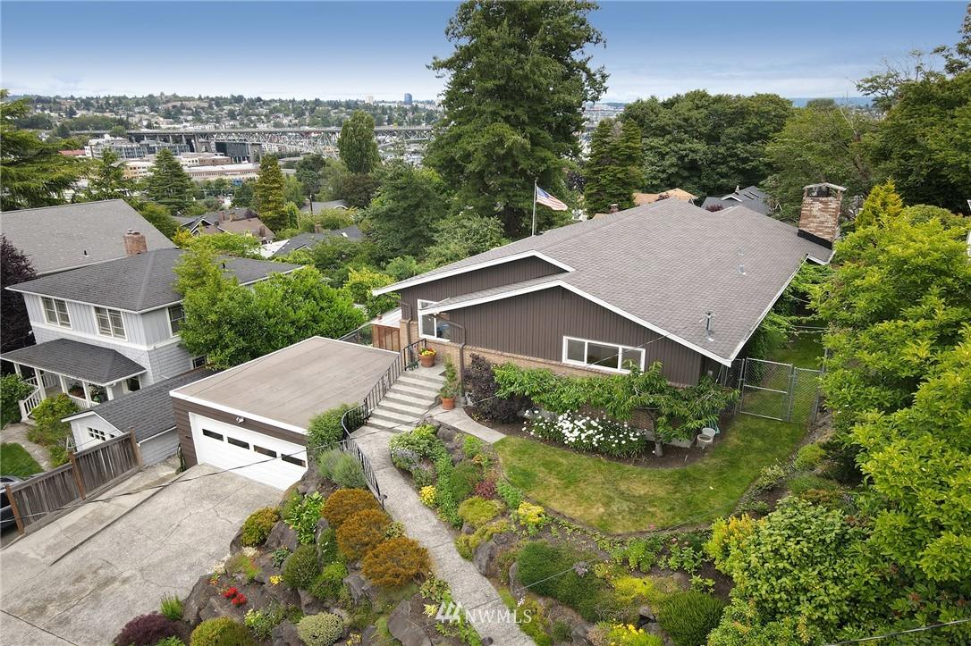 Sold Property   2626 2nd Avenue N Seattle, WA 98109 28