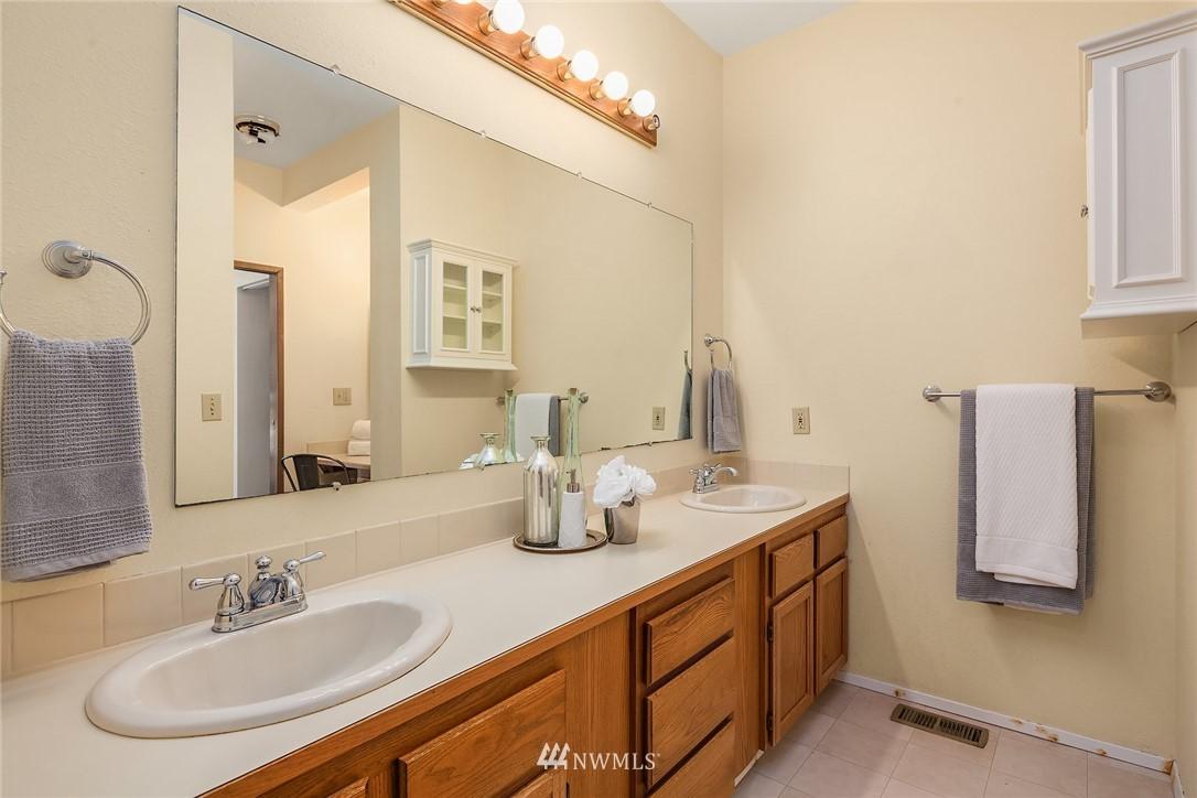 Sold Property | 19730 159th Court NE Woodinville, WA 98072 9