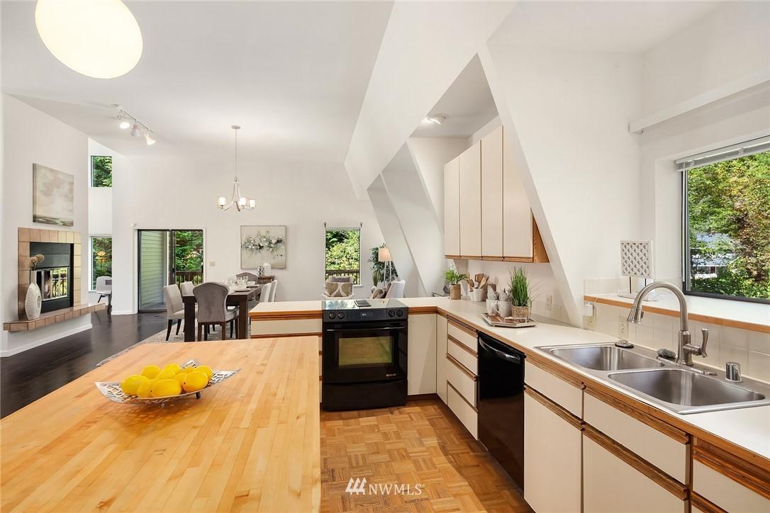 Sold Property | 19730 159th Court NE Woodinville, WA 98072 15