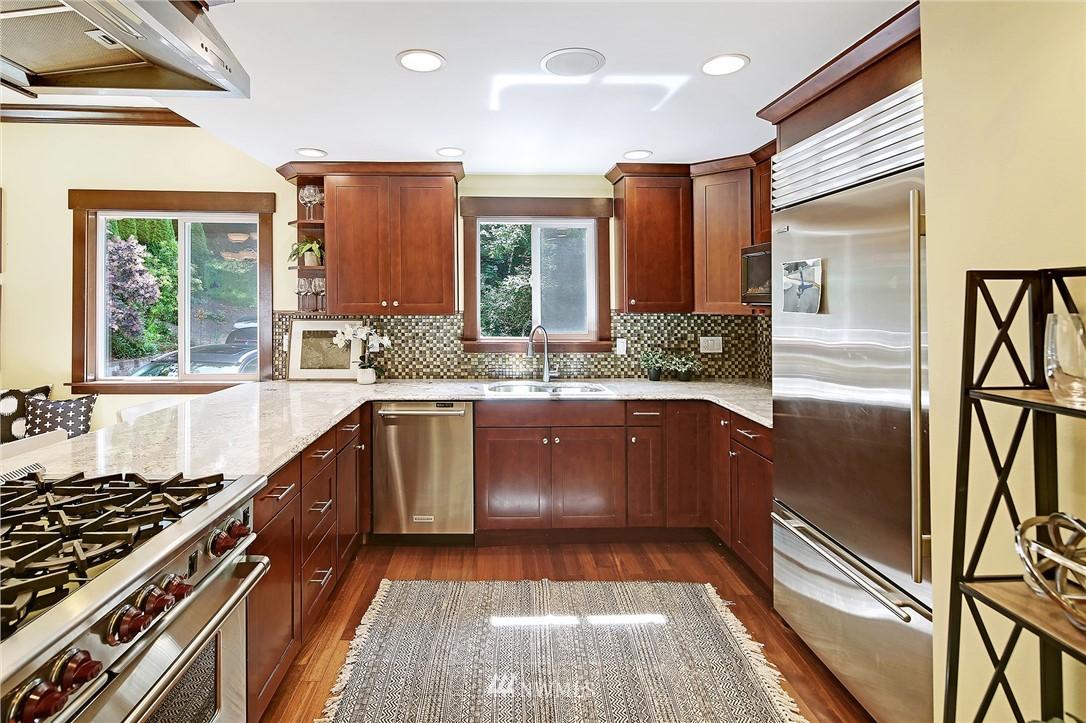 Sold Property | 4034 NE 195th Street Lake Forest Park, WA 98155 6