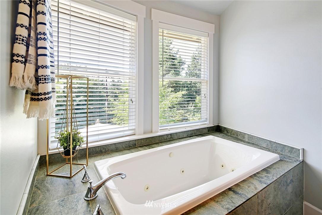 Sold Property | 4034 NE 195th Street Lake Forest Park, WA 98155 20